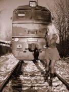 Анна Каренина убегает от поезда