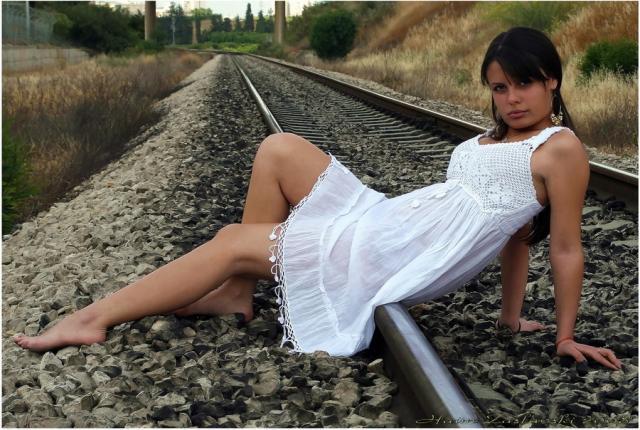 Анна Каренина в платьеце белом