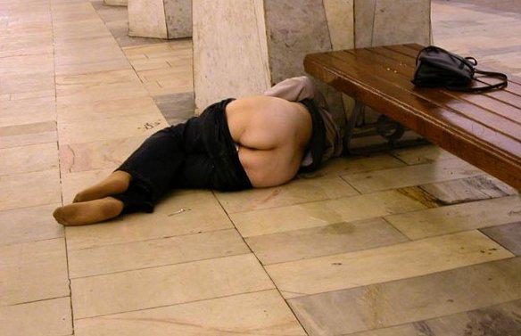 Бальзаковская дама в метро